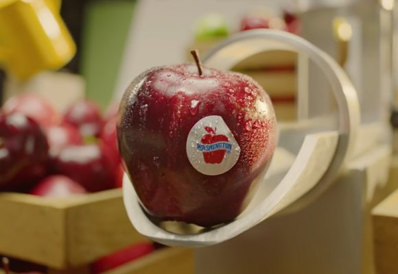 """""""Easier With Apples"""" by The Queen"""